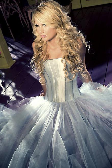 Taylor-Swift-b10