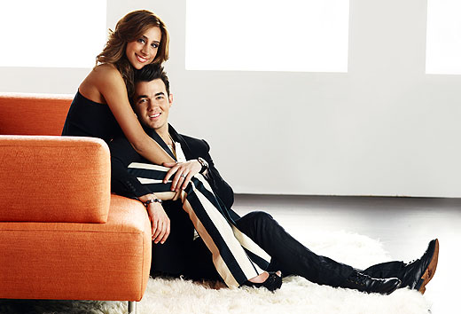 kevin-danielle-jonas-married-to-jonas