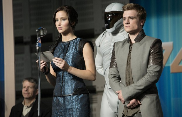 Catching-Fire-Stills-HQ-peeta-mellark-and-katniss-everdeen-33309529-2880-1920