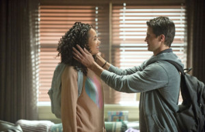 Pictured (L-R): Madeleine Mantock as Astrid Finch and Robbie Amell as Stephen Jameson --  Photo: Cate Cameron/The CW