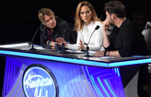 "AMERICAN IDOL: L-R: Keith Urban, Jennifer Lopez and Harry Connick, Jr. in the ""Hollywood Round #2"" episode of AMERICAN IDOL airing Thursday, Jan. 28 (8:00-10:00 PM ET/PT) on FOX. © 2016 FOX Broadcasting Co. Cr: Michael Becker / FOX."