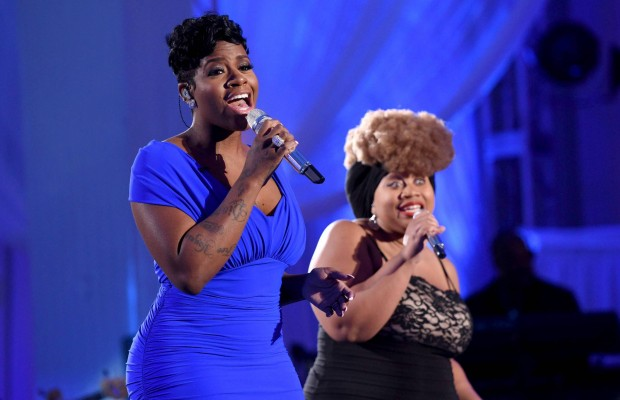 "AMERICAN IDOL: Season 3 winner Fantasia with contestant La'Porsha Renae in the ""Showcase #1: 1st 12 Performances"" episode of AMERICAN IDOL airing Wednesday, Feb. 10 (8:00-9:01 PM ET/PT) on FOX. Cr: Michael Becker / FOX. © 2016 FOX Broadcasting Co."