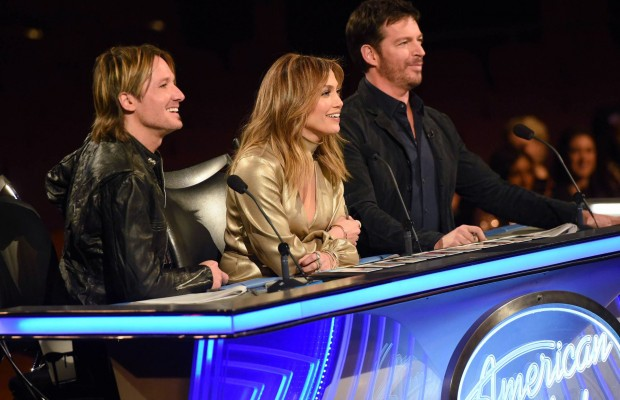 """AMERICAN IDOL: Contestants getting ready to perform in the """"Hollywood Round #1"""" episode of AMERICAN IDOL airing Wednesday, Jan. 27 (8:00-9:01 PM ET/PT) on FOX. © 2016 FOX Broadcasting Co. Cr: Michael Becker / FOX."""
